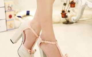Босоножки на толстом каблуке: с чем носить