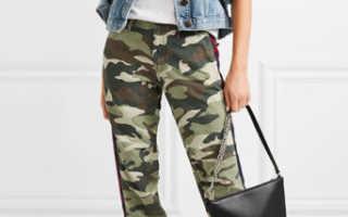 Камуфляжные женские брюки: с чем носить