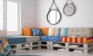 Как сделать диван из поддонов своими руками?