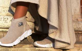 Носки с подошвой: описание с фото