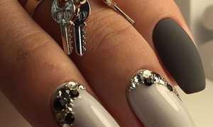 Маникюр с бабочками и стразами: модные тенденции и примеры дизайна