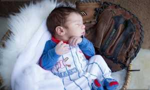 Комбинезоны для новорожденных: с чем носить и как выбрать