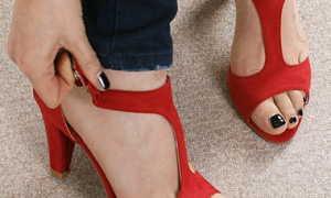 Красные босоножки: описание с фото, модели, отзывы